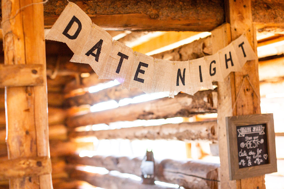 granby-colorado-Strawberry-Creek-Ranch-Wedding-Ashley-McKenzie-Photography-tropic-meets-mountain-wedding-colorful-date-night-signage