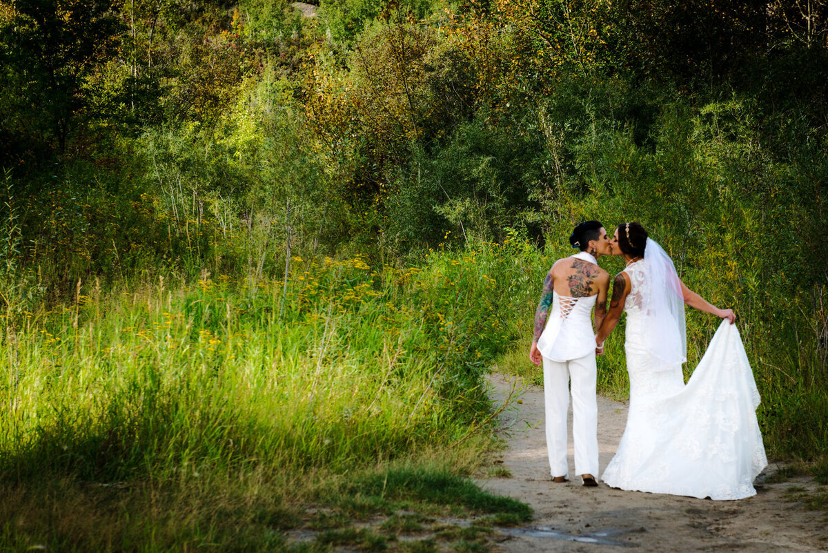 carla-lehman-photography-lgbtq-wedding-photography-leduc-calmar-edmonton-1172