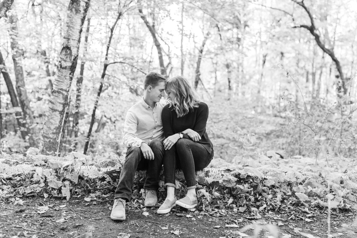 modern-engagement-photos-the-paper-elephant-040