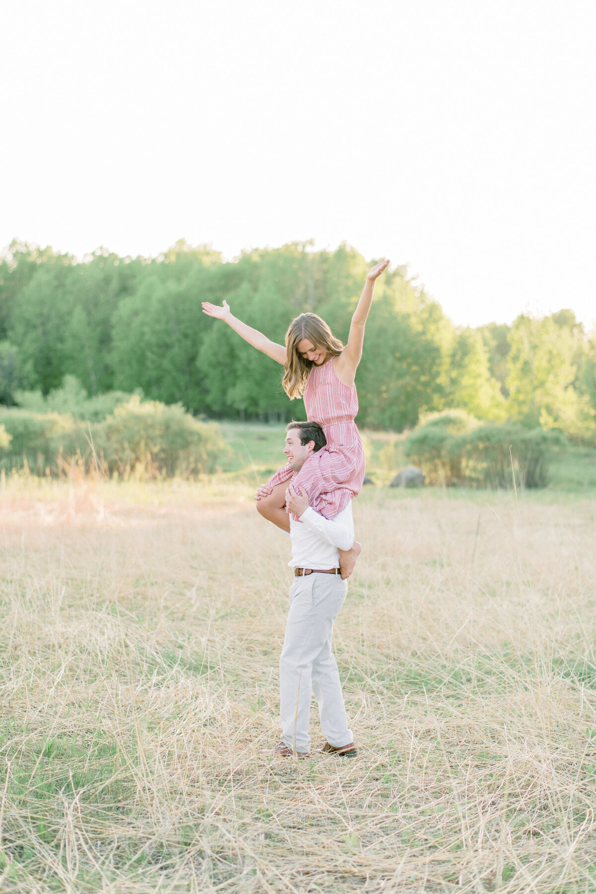 Minneapolis engagement Photographer, minnesota engagement photographer, mineapolis wedding photographer, minnesota wedding photographer, Engagement photo location inspo