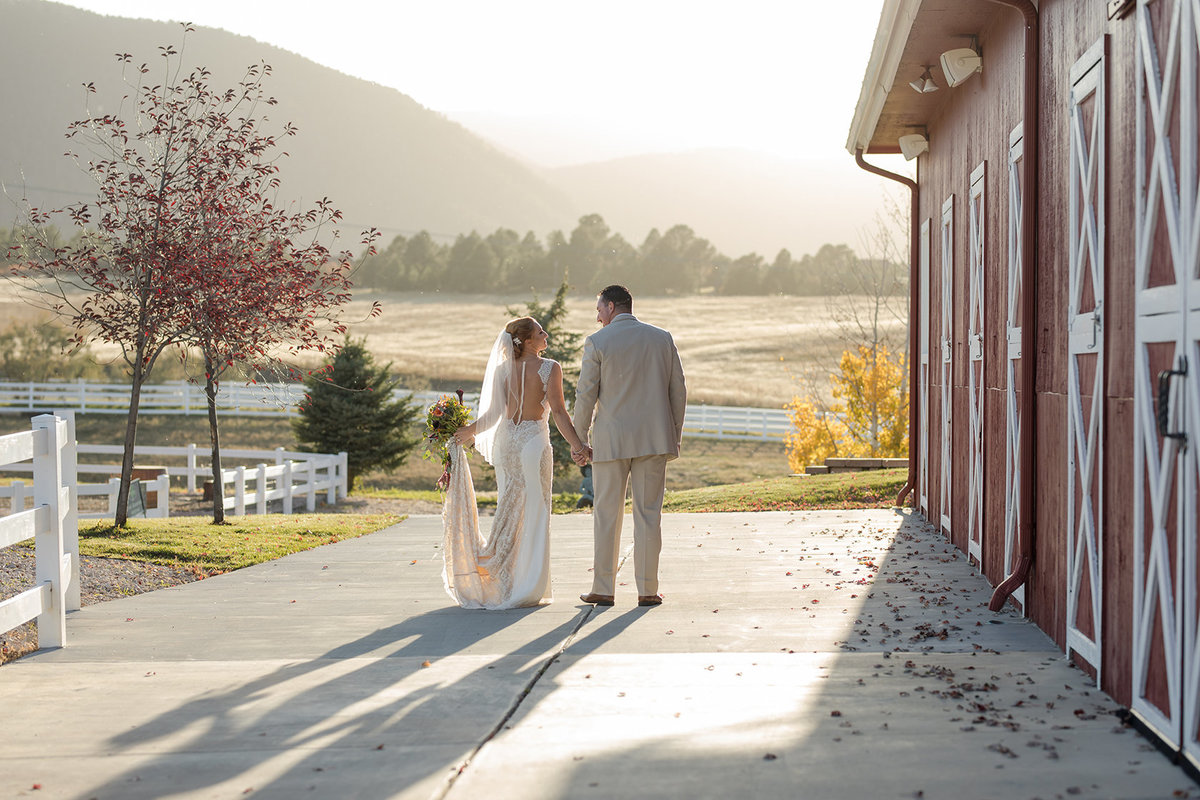 photos at Crooked Willow Wedding