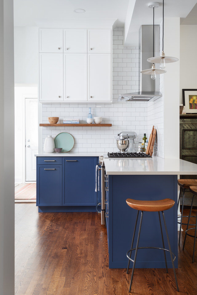 Two-tone kitchen cabinets - Alden stools
