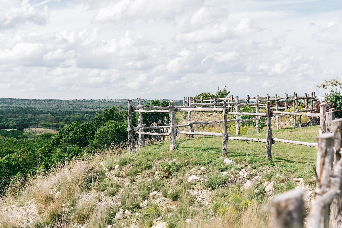 Dove-ridge-vineyard-Wedding-by-Dallas-Photographer-Julia-Sharapova_0040