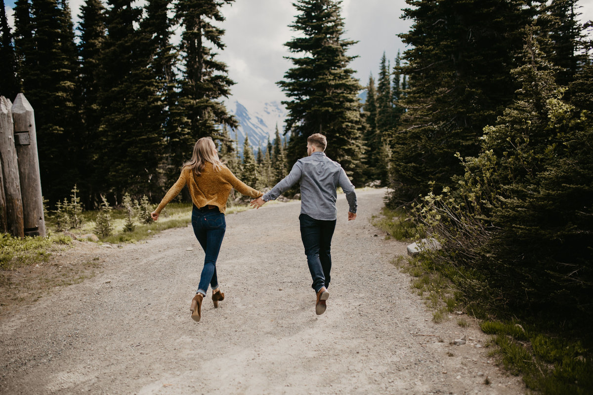 Marnie_Cornell_Photography_Engagement_Mount_Rainier_RK-98