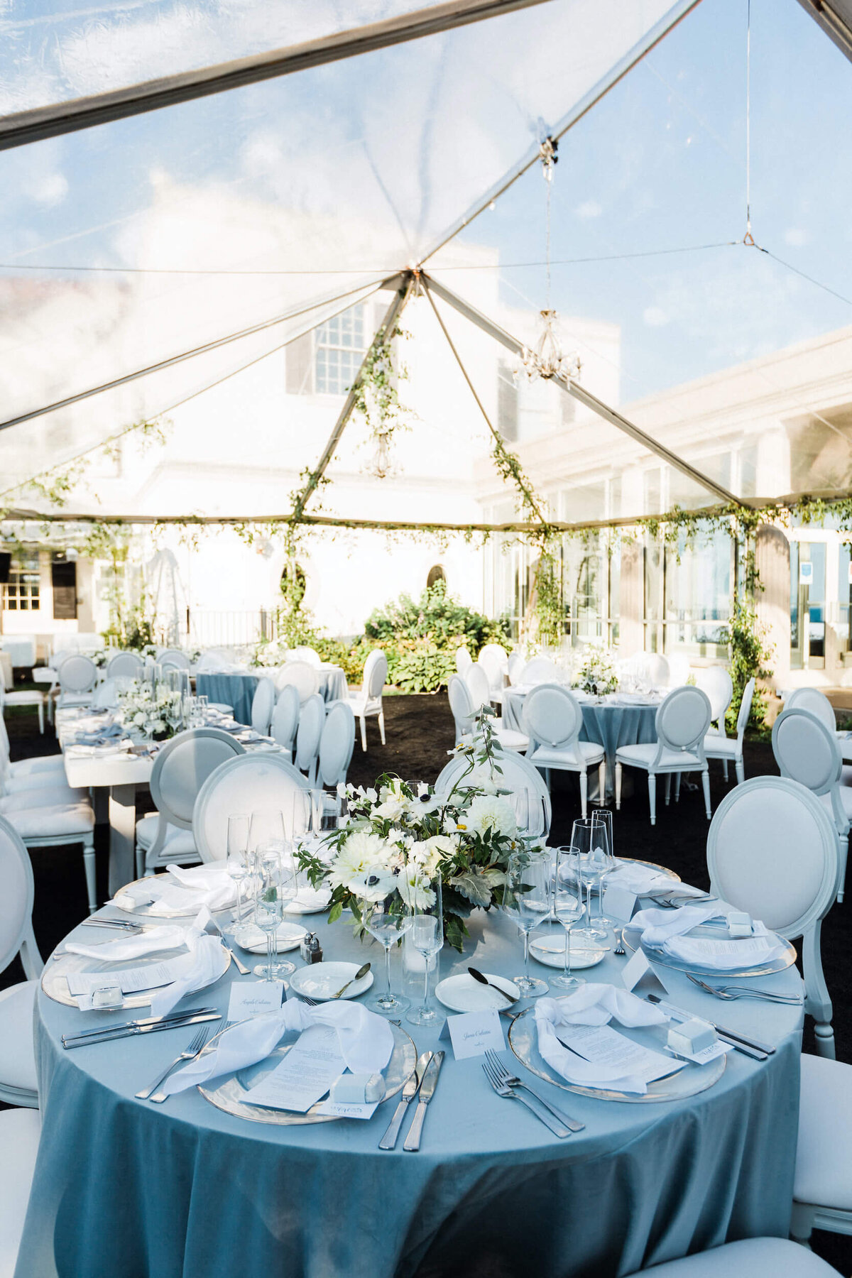 Fresh White & Grey Summer Wedding_15