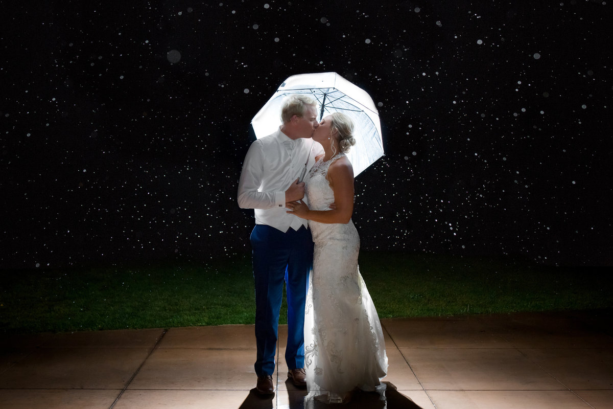 rainy-vail-colorado-wedding-photos