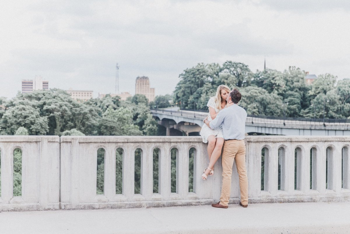 darrell-sarah-downtown-lynchburg-engagement_0037