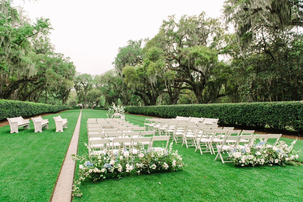 1501.Ceremony Chairs and flowers