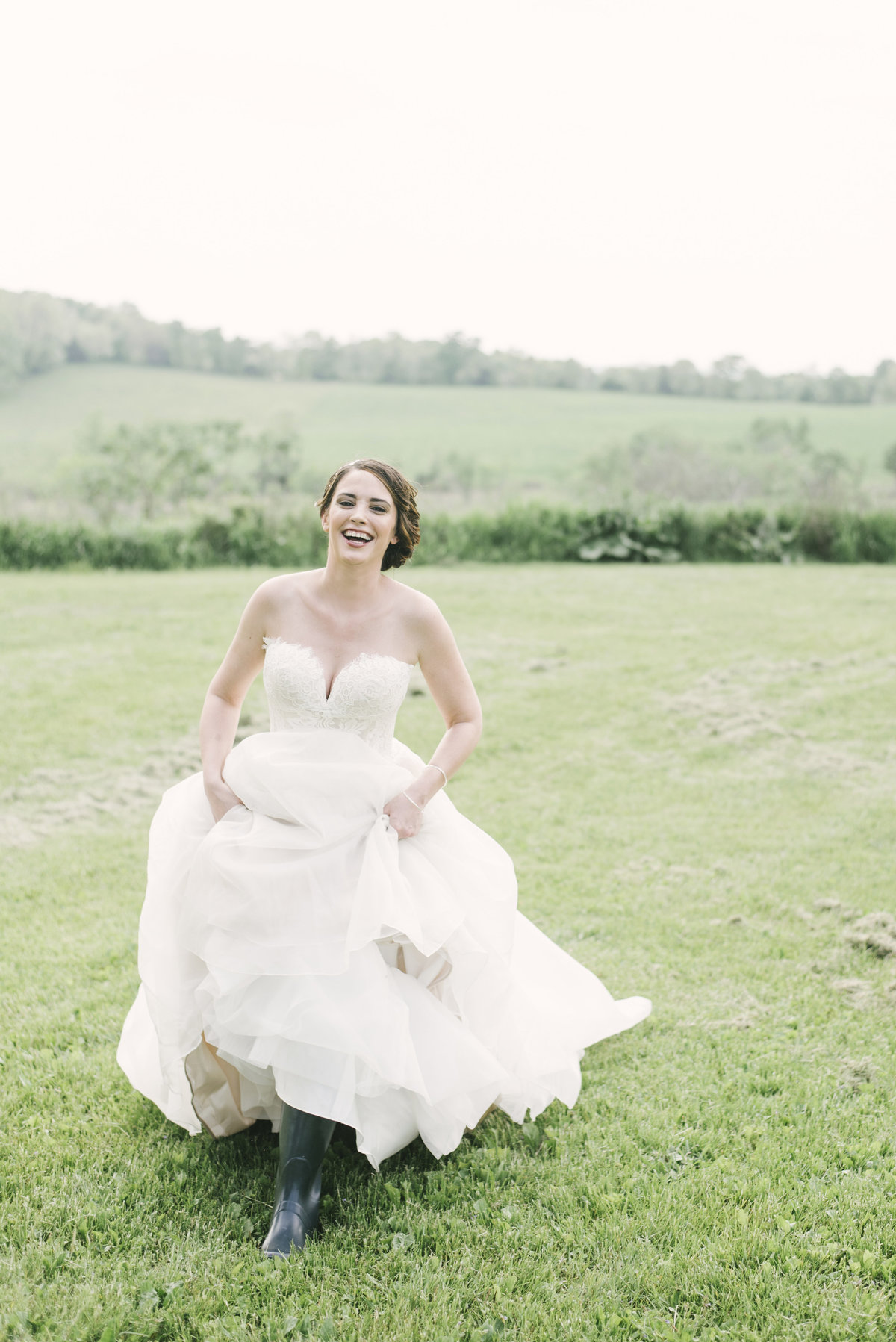 Monica-Relyea-Events-Alicia-King-Photography-Globe-Hill-Ronnybrook-Farm-Hudson-Valley-wedding-shoot-inspiration21