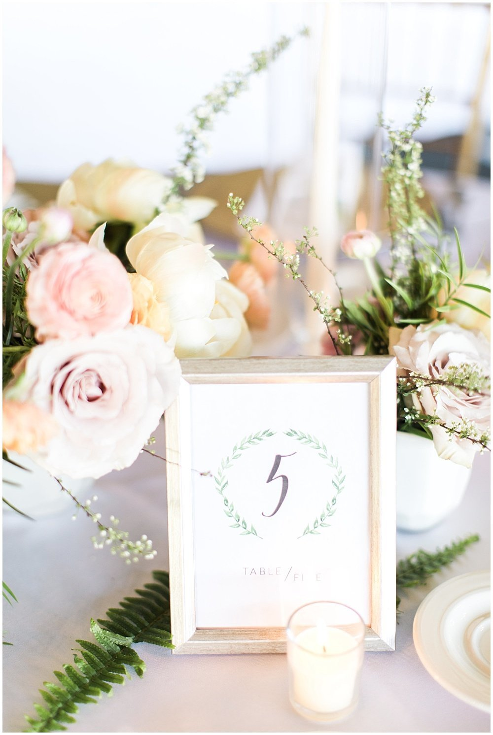 Spring-Floral-Willows-On-Westfield-Lodge-Wedding-Ivan-Louise-Images-Jessica-Dum-Wedding-Coordination_photo_0016