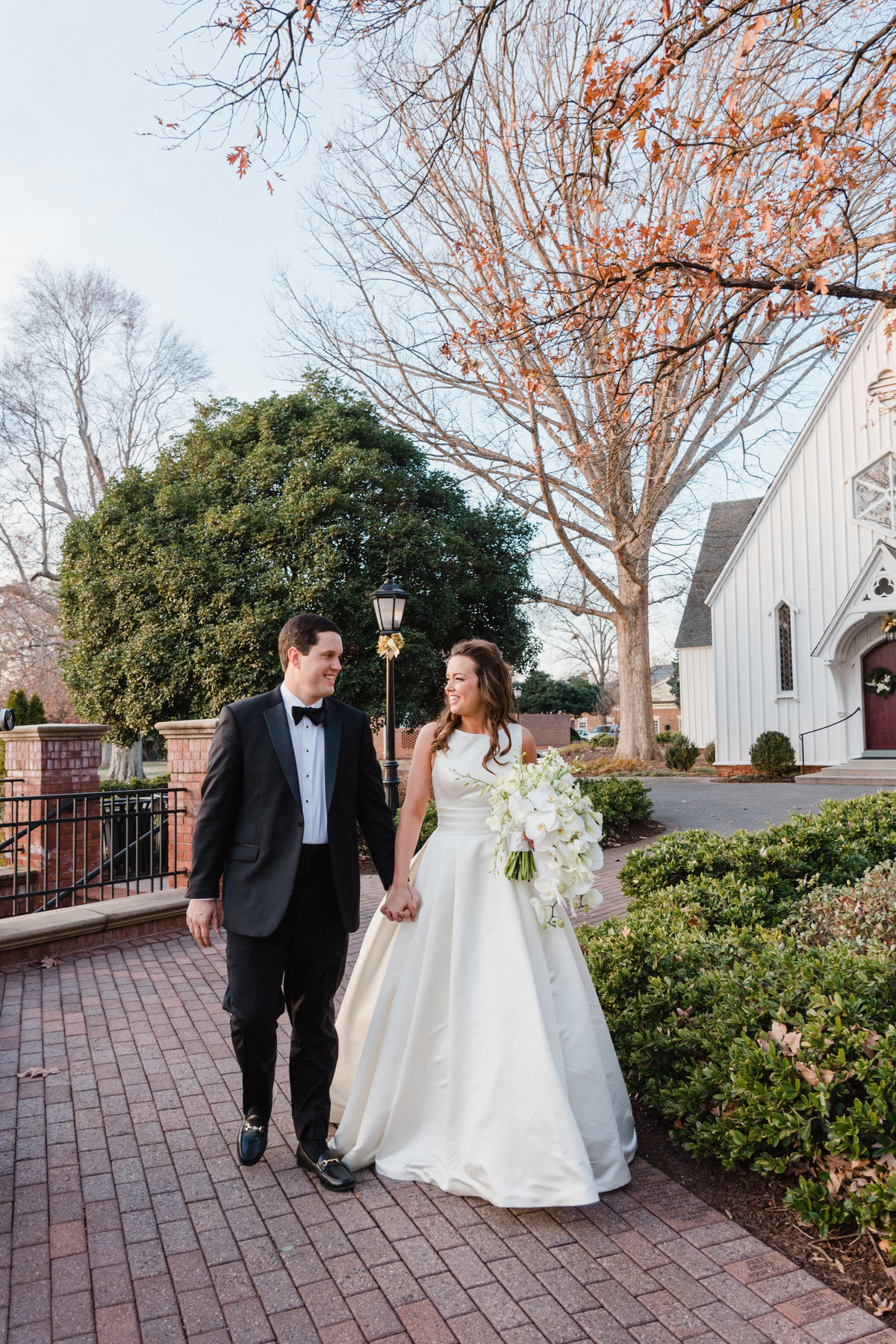angus-barn-raleigh-wedding-49
