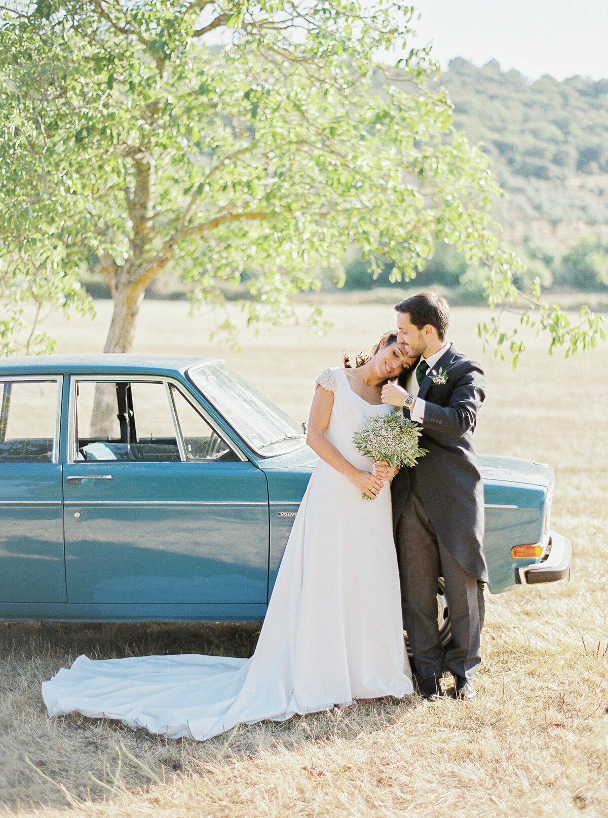 wedding_with_a_vintage_car_in_marvão-24