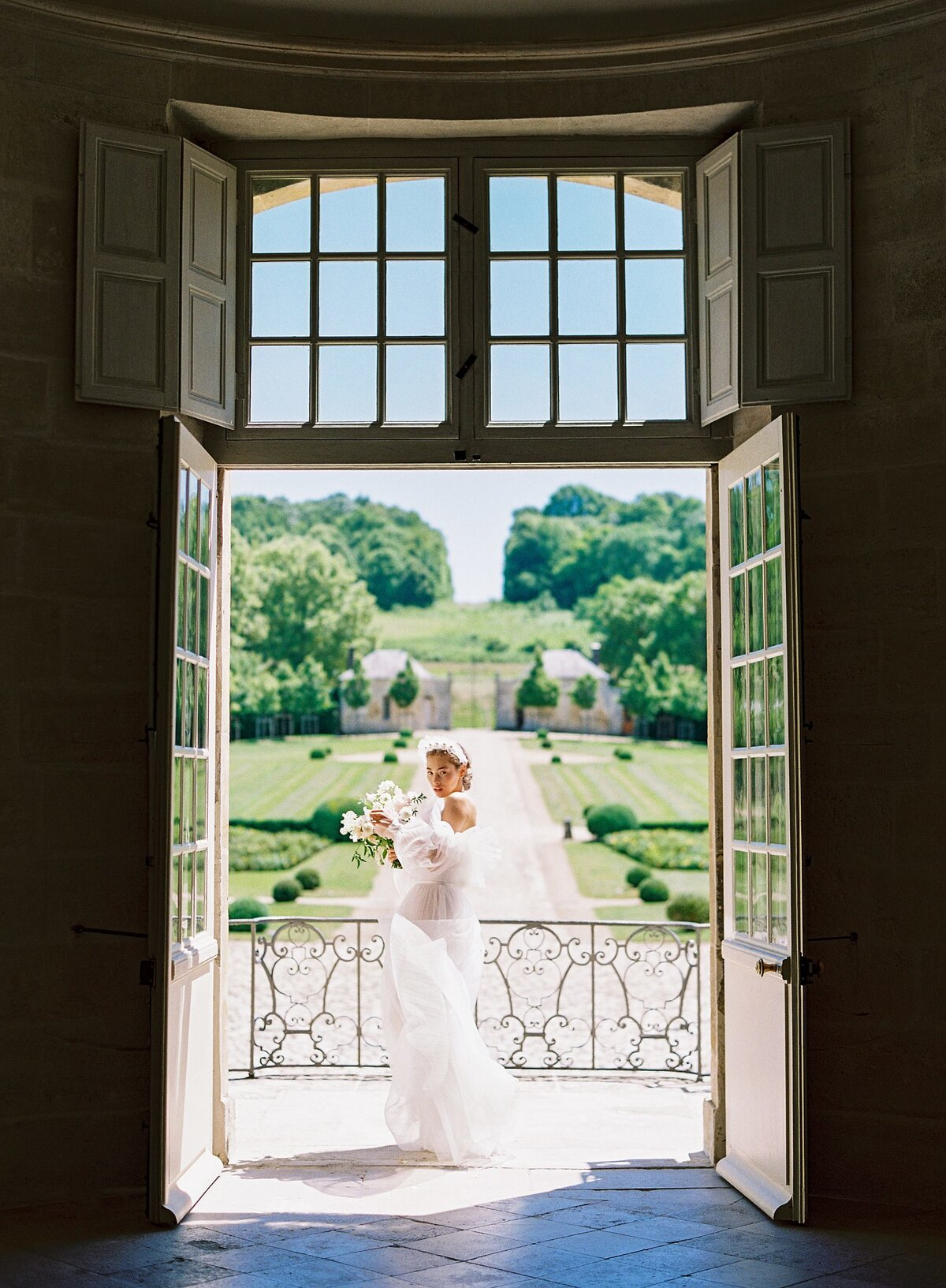 NKT-Events_Wedding-Inspiration-Editorial_Chateau-de-Villette-Bridal_0103