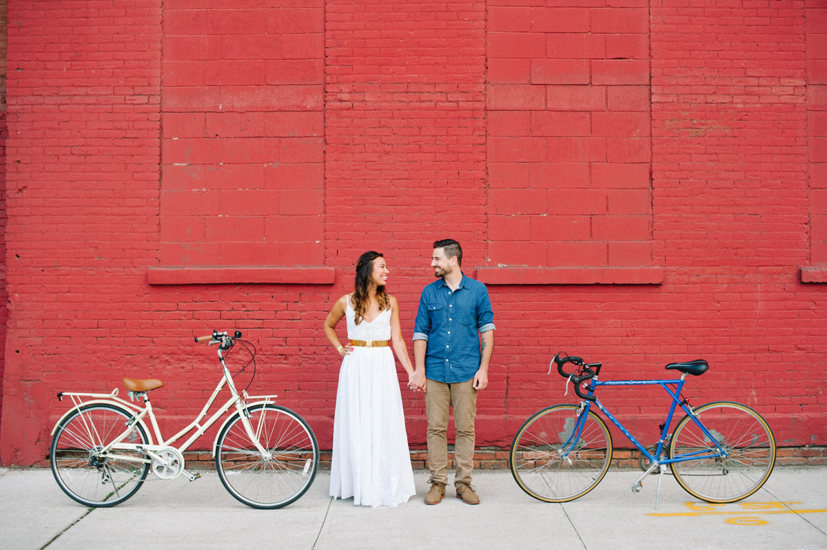 Bright and colorful summer engagement sesion in Brooklyn NY