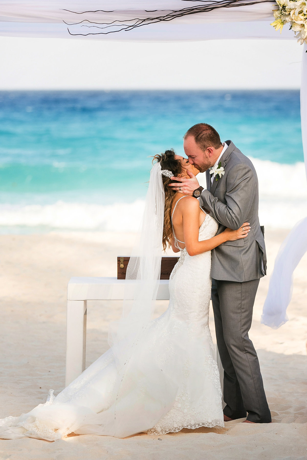 049-omni-cancun-hotel-and-villas-wedding-photos-brittney-shawn