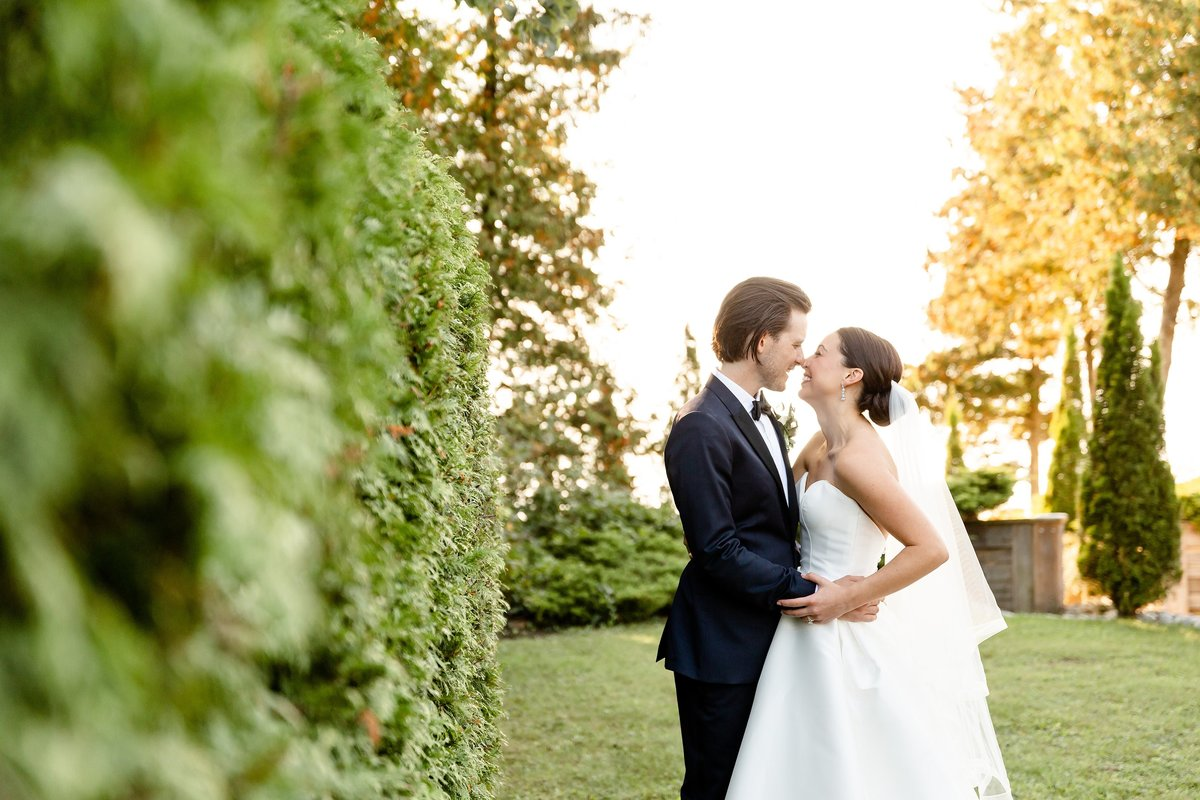 Classic Romantic Candid London Ontario Wedding Photographer | Dylan and Sandra Photography 001