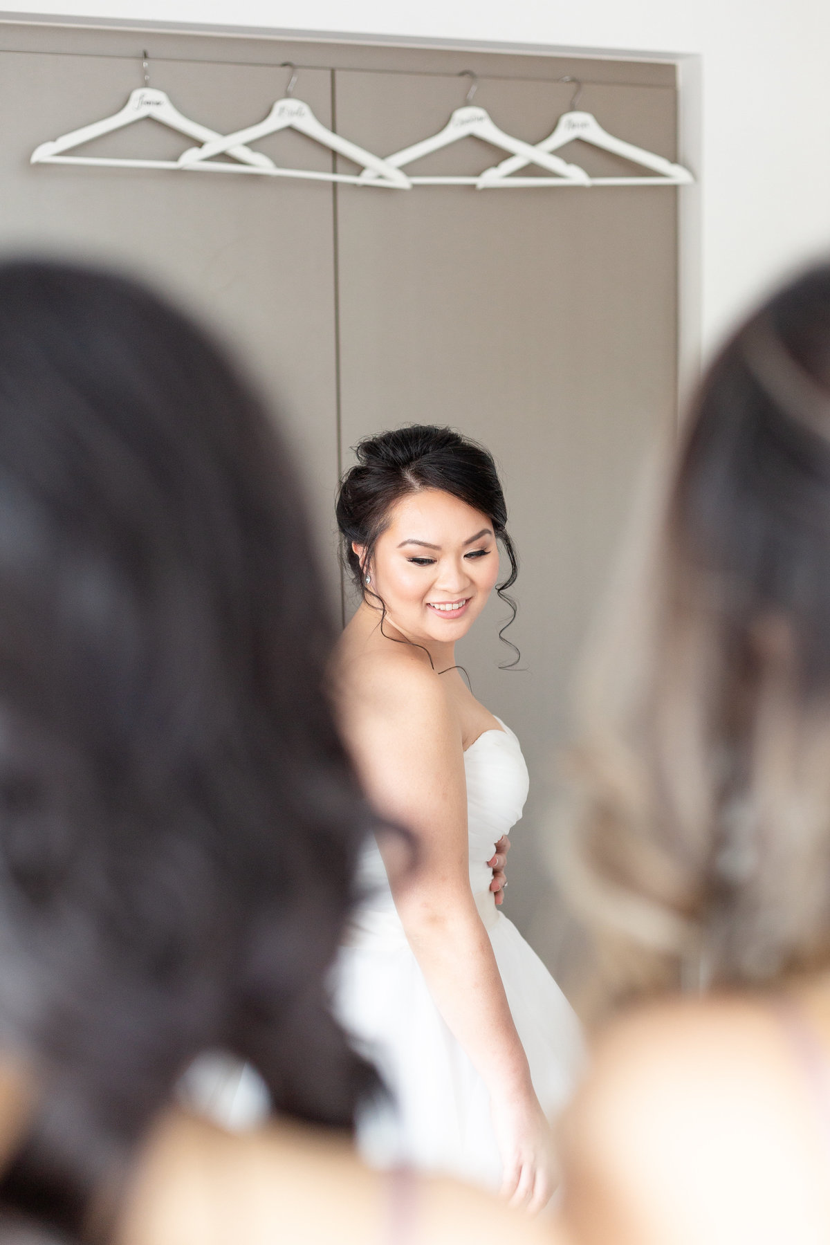 arlington-estae-Vicky-and-Emmanuel-Wedding-Bride-Getting-Ready-Chris-and-Micaela-Photography-85