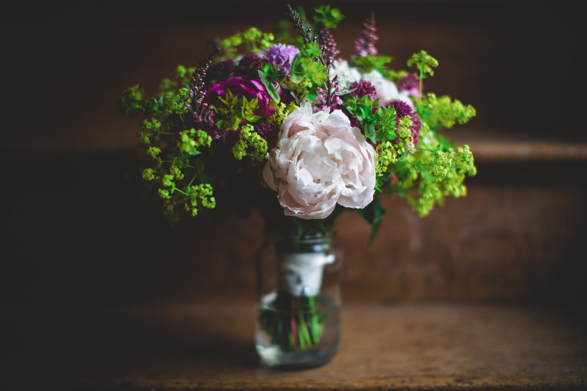 relaxed country garden bouquet