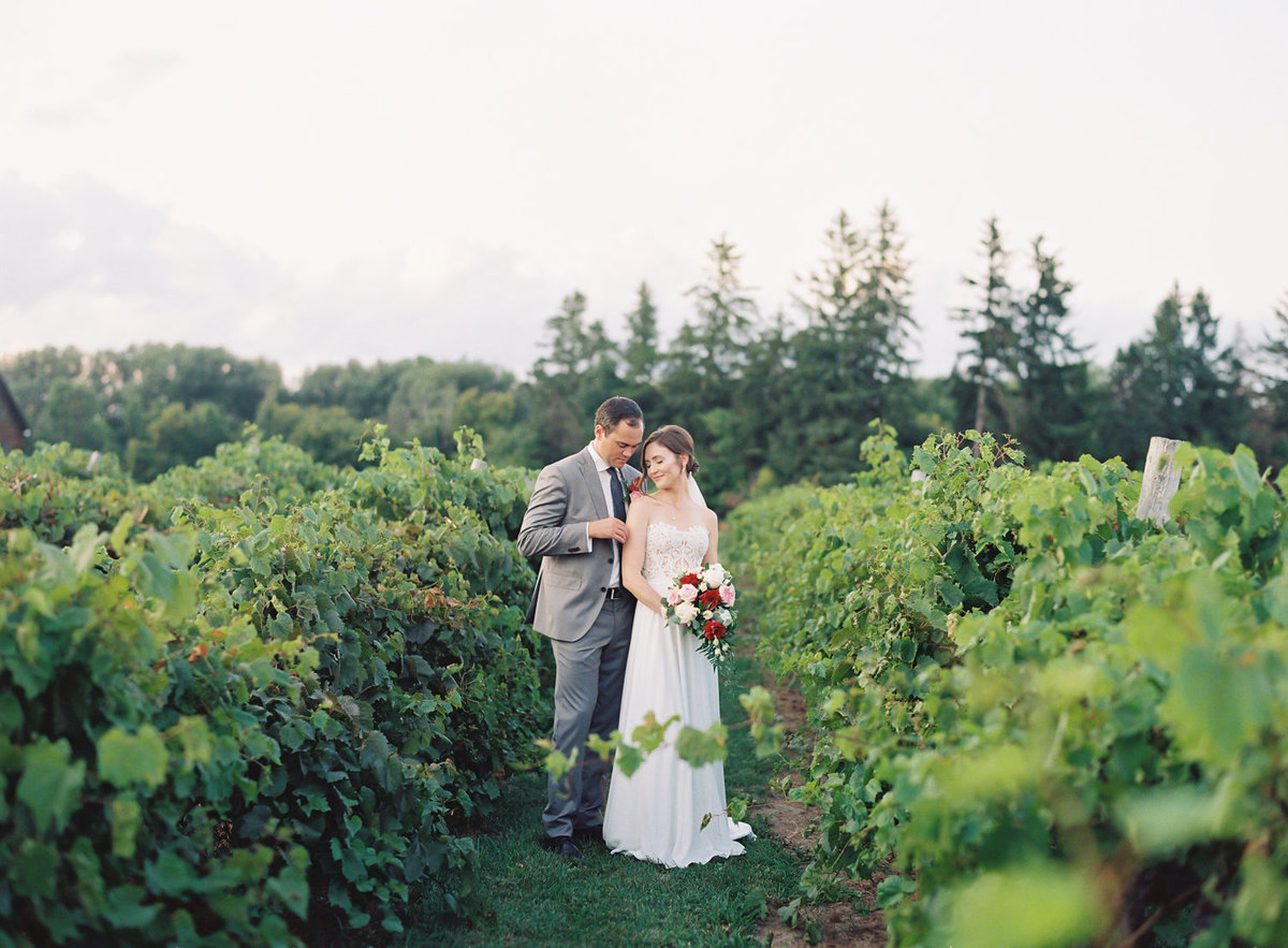 Jacqueline Anne Photography - Ottawa vineyard wedding-30