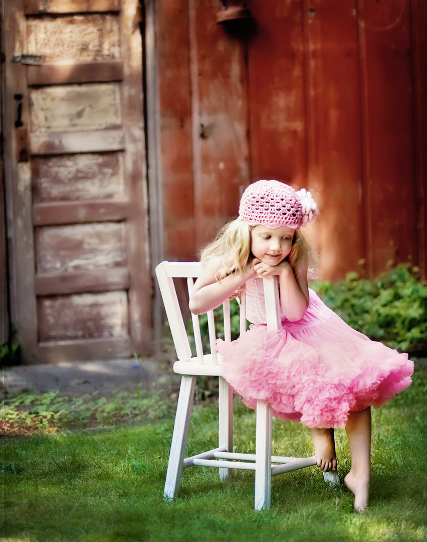 Fine Art Children's photography-girl in chair
