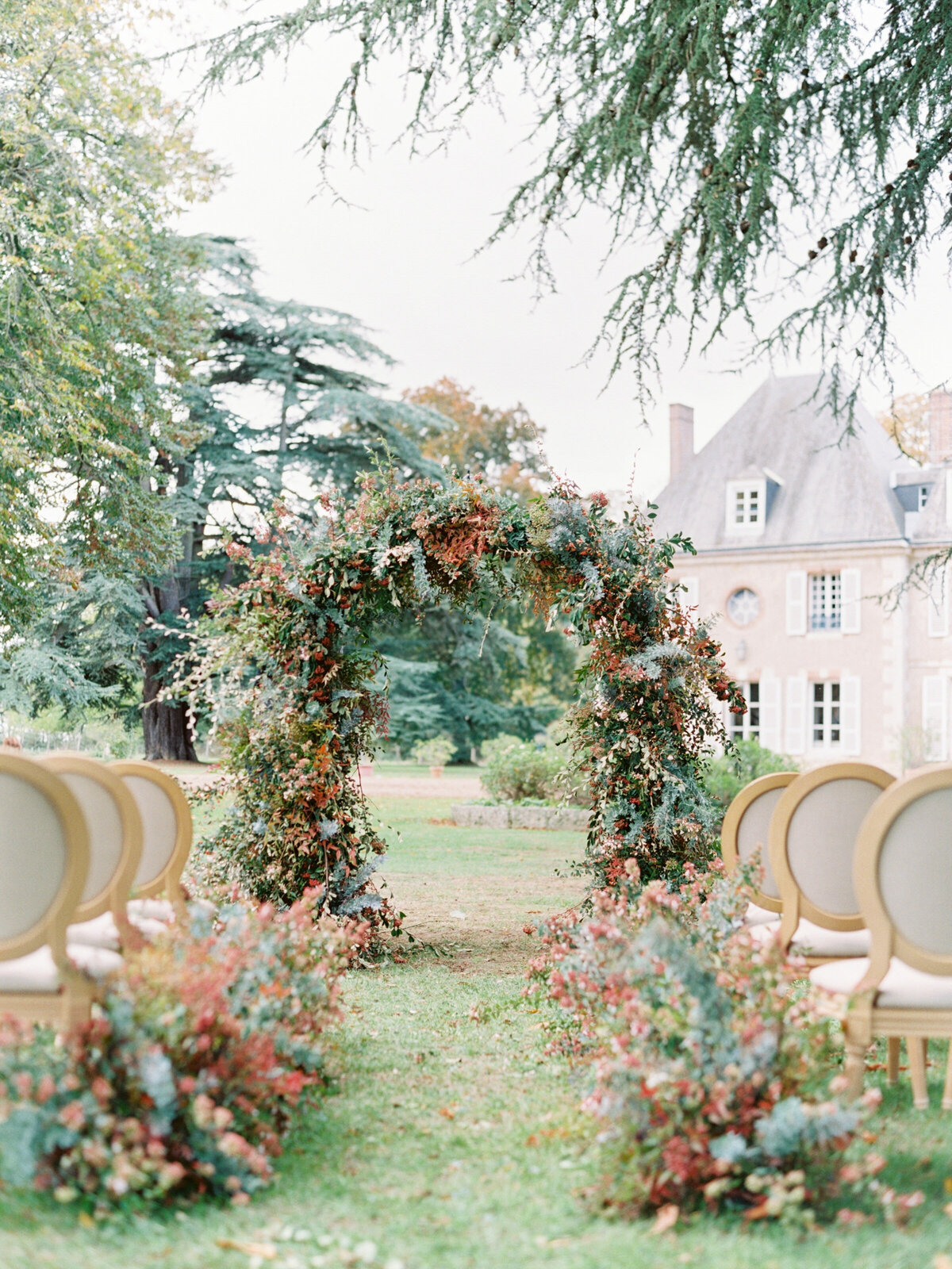 chateau-bouthonvilliers-wedding-paris-wedding-photographer-mackenzie-reiter-photography-22