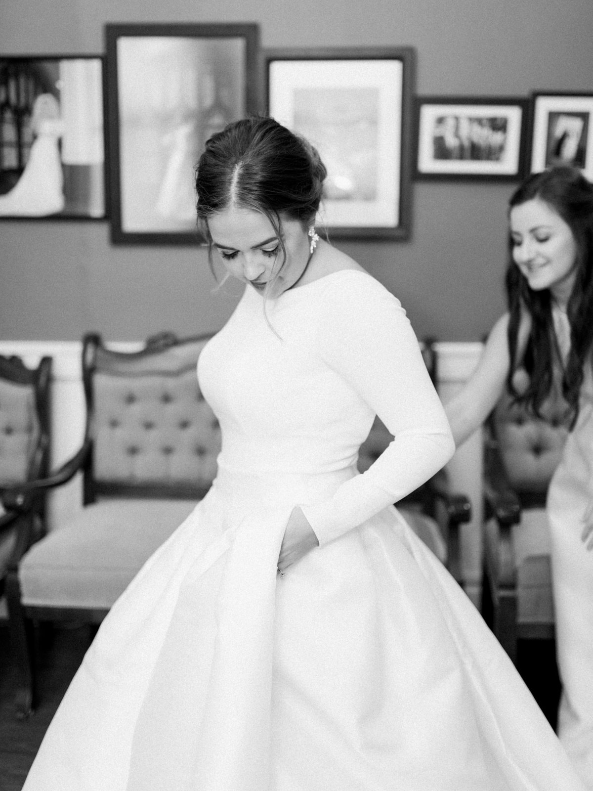 Courtney Hanson Photography - Festive Holiday Wedding in Dallas at Hickory Street Annex-0792
