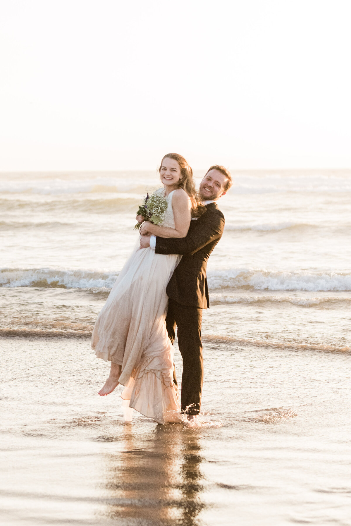 Cannon-Beach-Elopement-Photographer-56