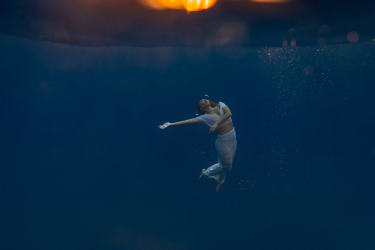 Underwater Trash the Dress Portraits-41
