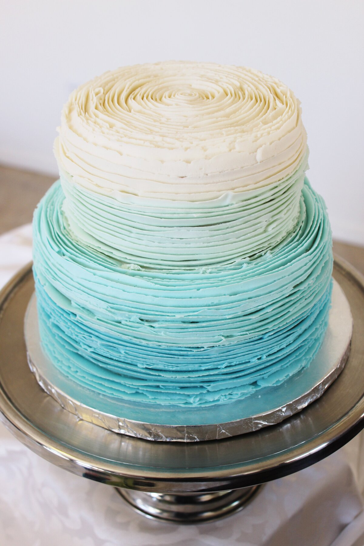 Buttercreamruffle.colorfulblue.ombre