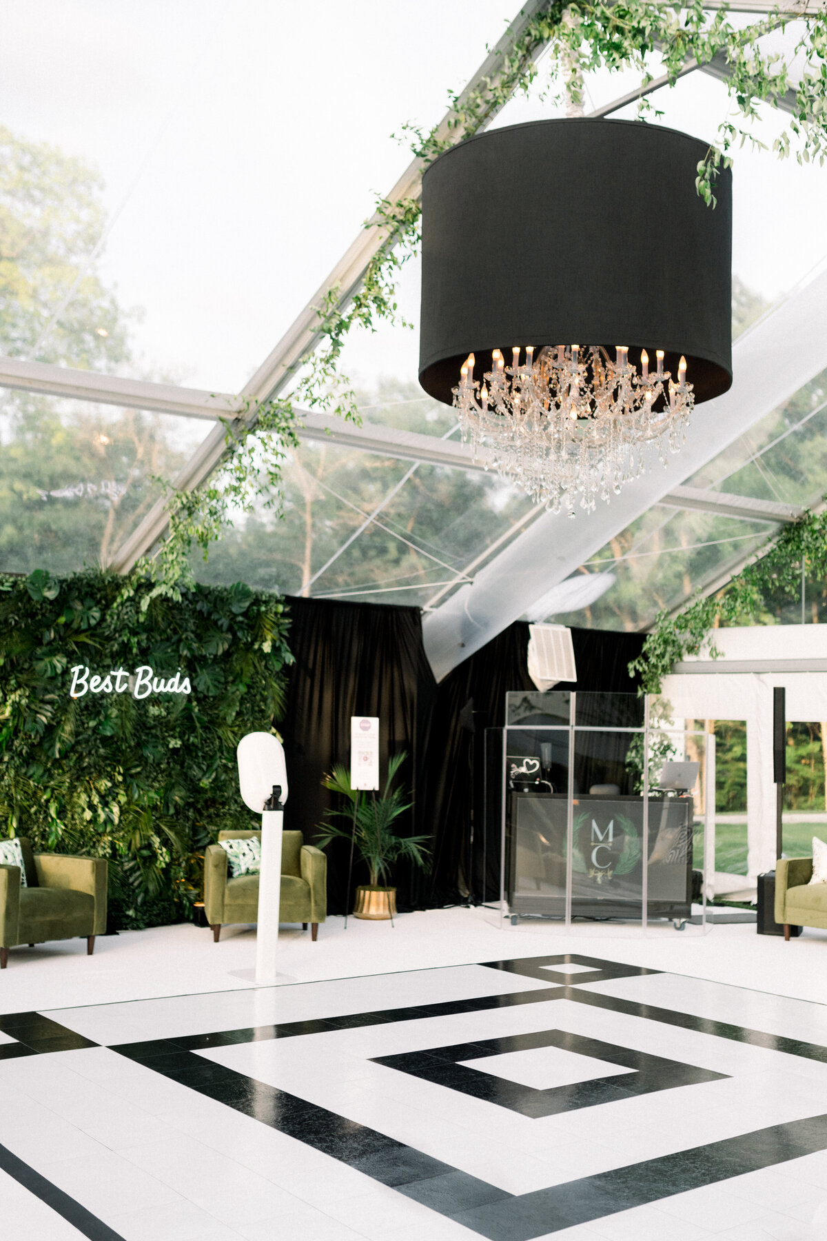 Minneapolis Wedding Photographer, Minneapolis Luxury Photogrpaher, Minnesota wedding photographer, Minneapolis light and airy photographer, luxury wedding photographer, wedding decor inspo
