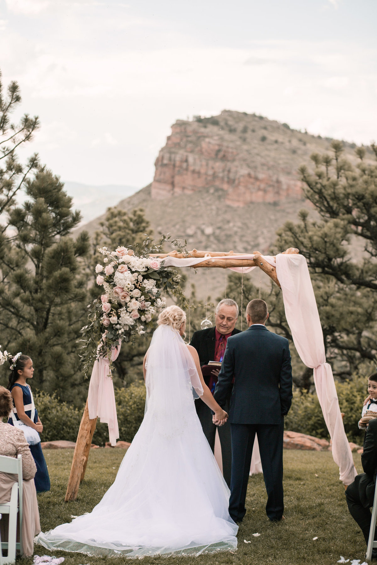lauren-todd-lionscrest-manor-colorado-wedding-outdoor-photography-photographer-Dgass-Photography-0939