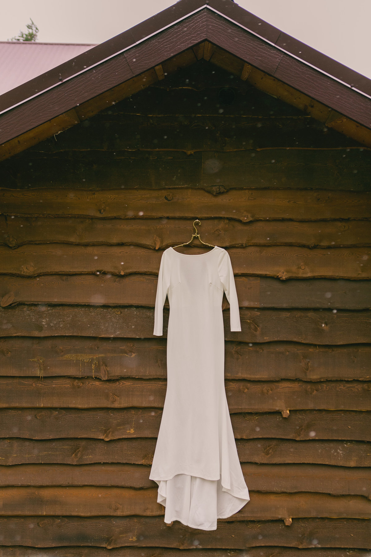 Jennifer_Mooney_Photography_Abbey_Stephen_Fall_Glacier_Wedding-10