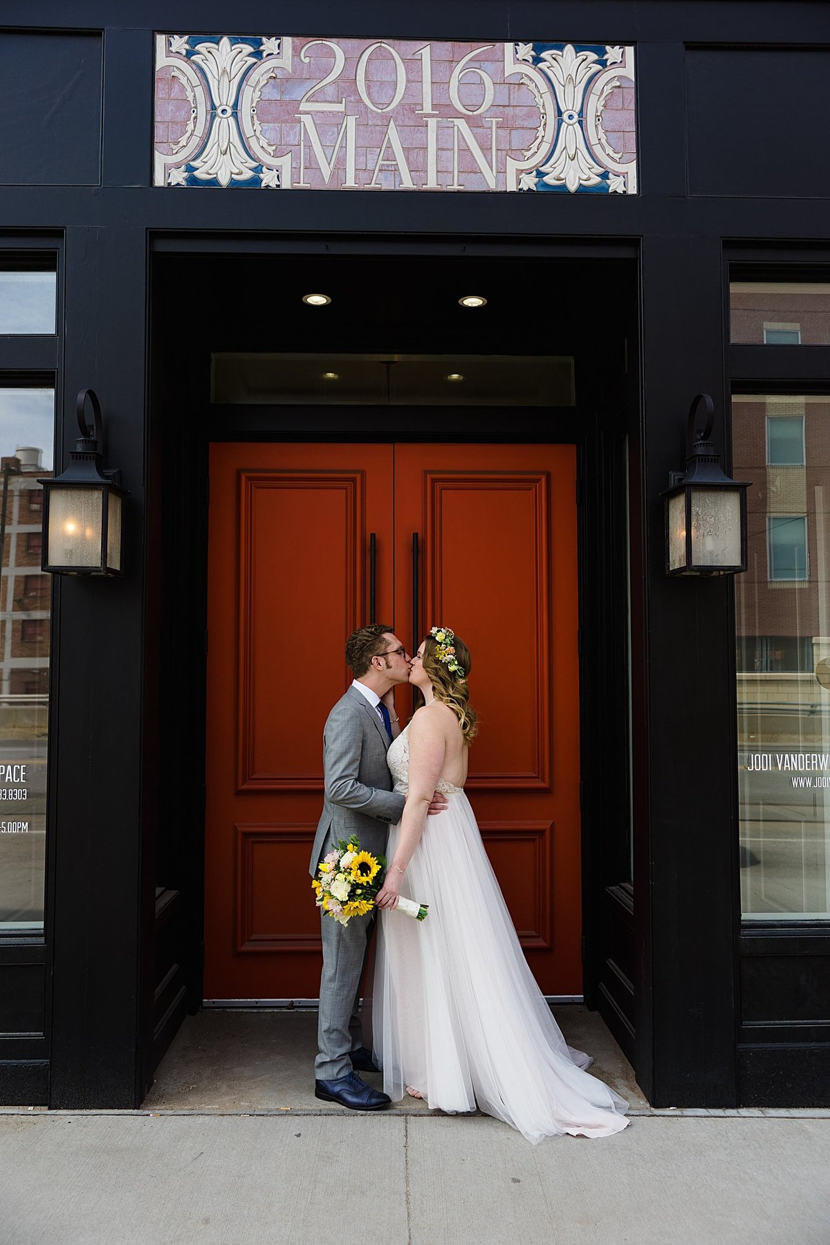 2016 Main Wedding Photos-Downtown KC Wedding-Photographer-Emily-Lynn-Photography_0006