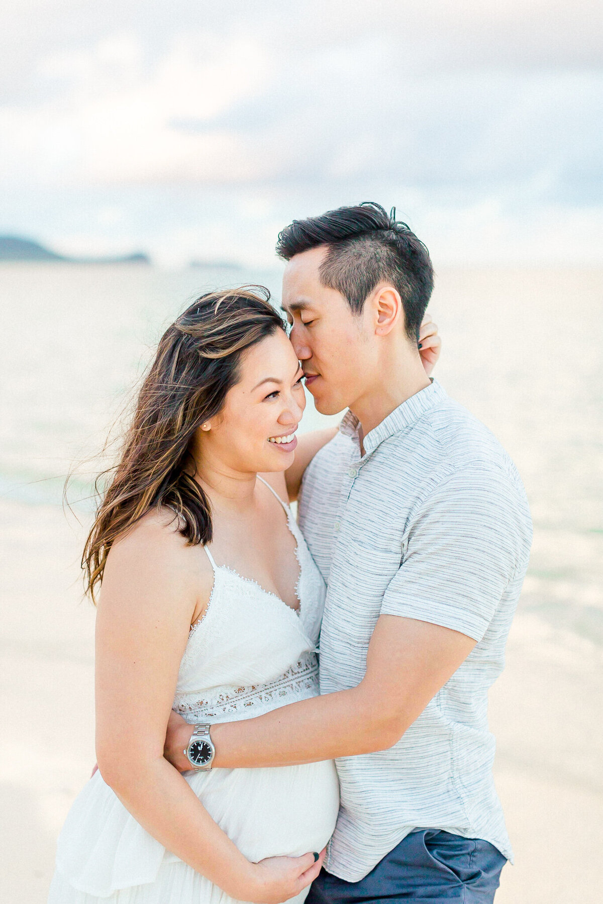 Blog-lanikai beach maternity session by hawaii maternity photographer veronica ilioi photography-0055