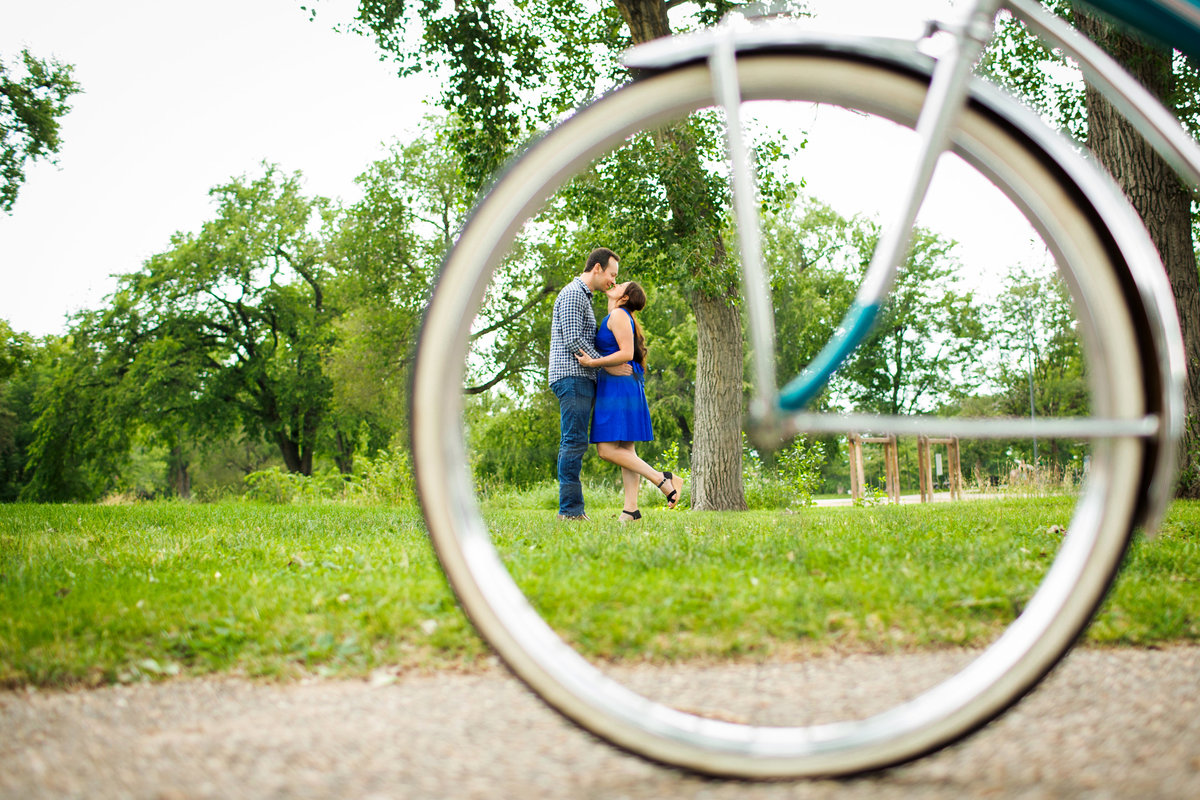 colorado-bicycle-engagement-photos