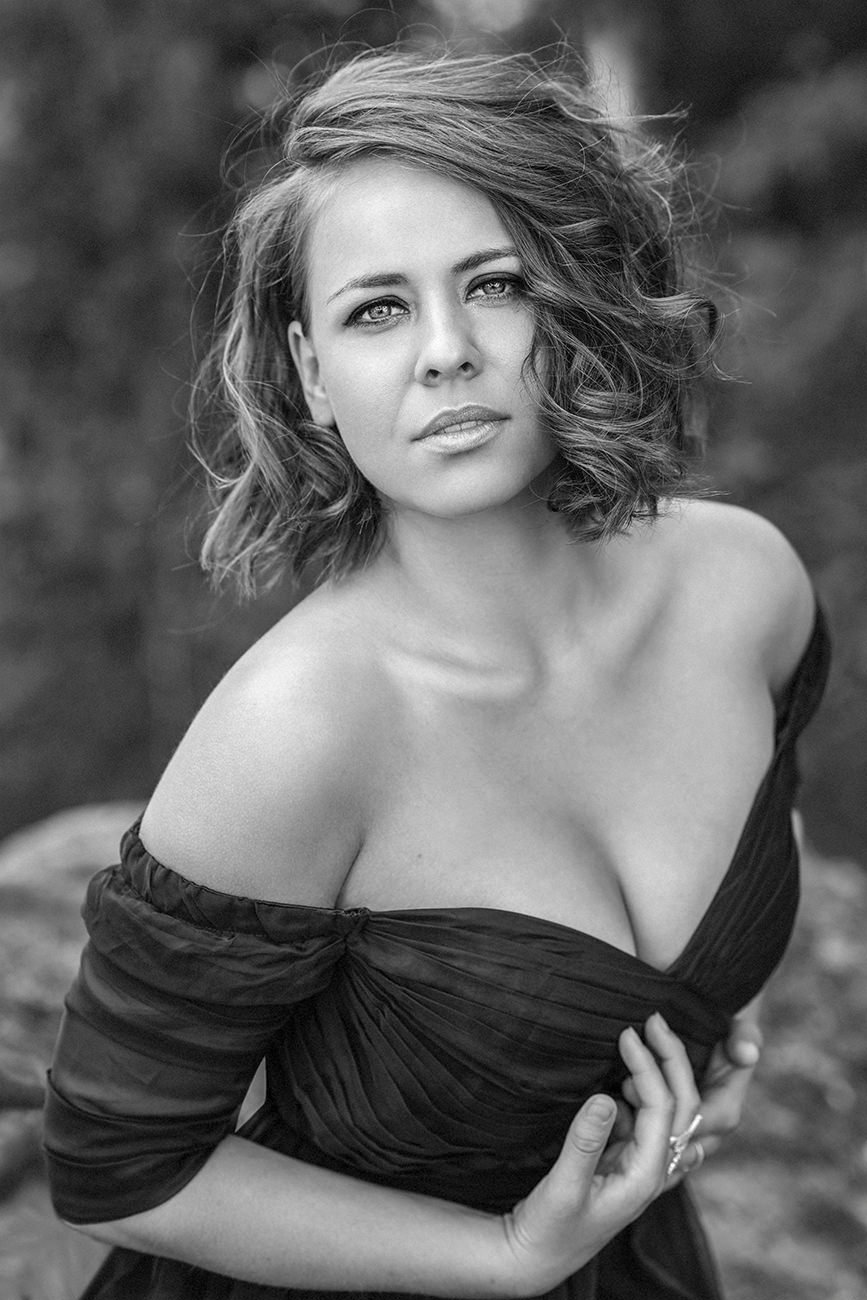 women-portrait-outdoor-glamour