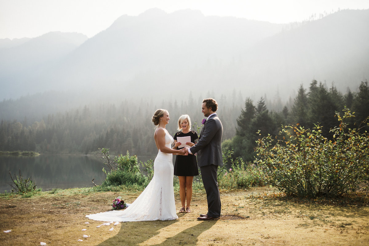 Snoqualmie-Pass-Elopement-Gold-Creek-Pond-71