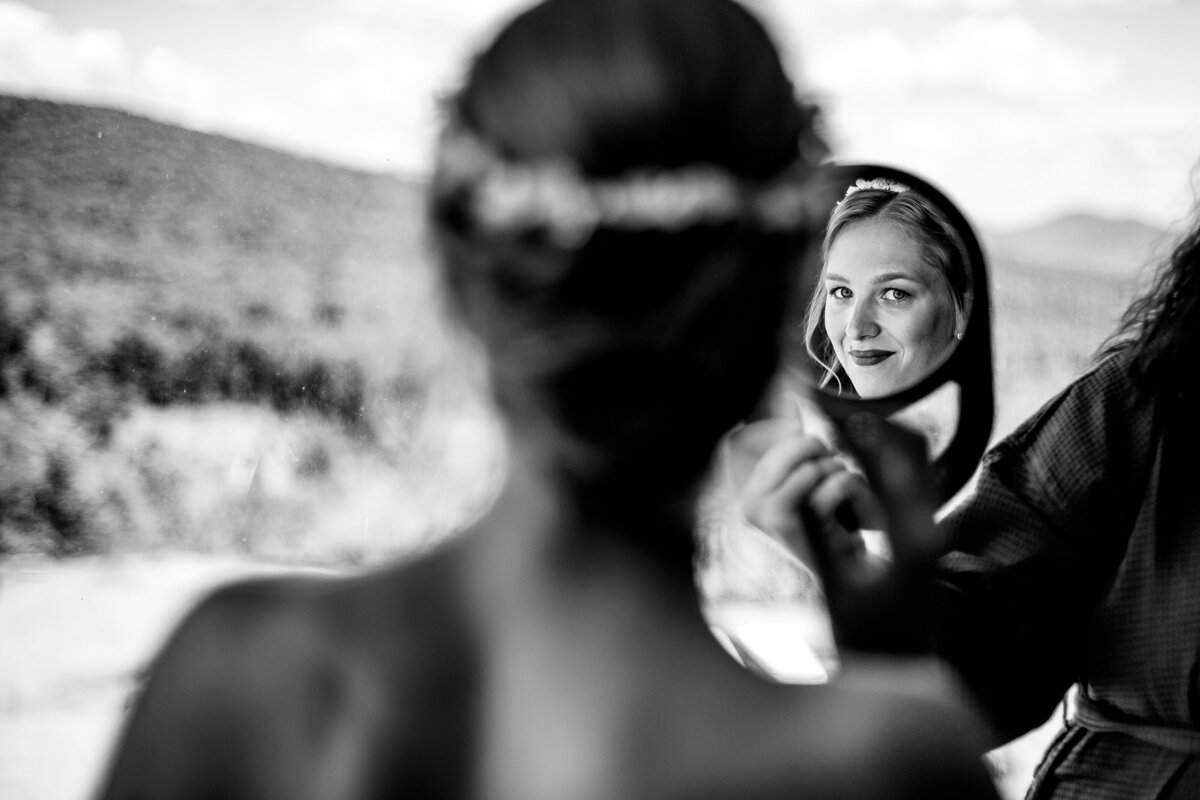 Bridal-getting-ready-vermont-wedding-andy-madea-photography-vermont-wedding-photographer