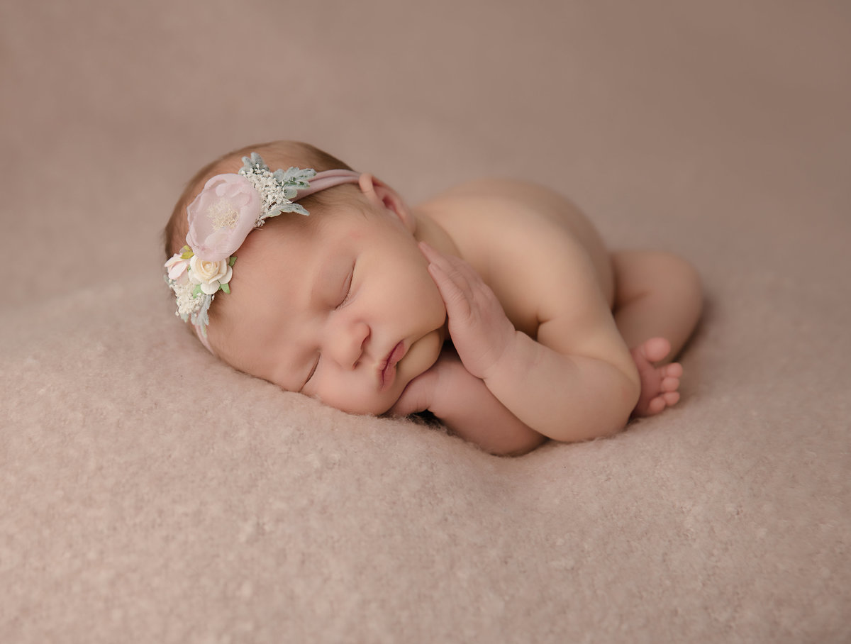 columubus.ohio.newborn.photographer-5