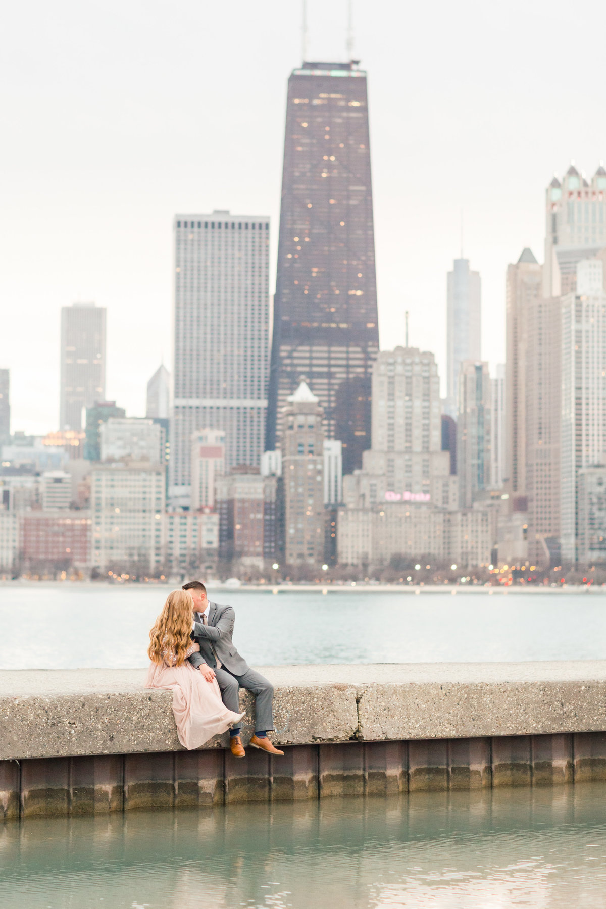 lindsey-taylor-photography-north-avenue-beach-chicago-engagement-photographer19