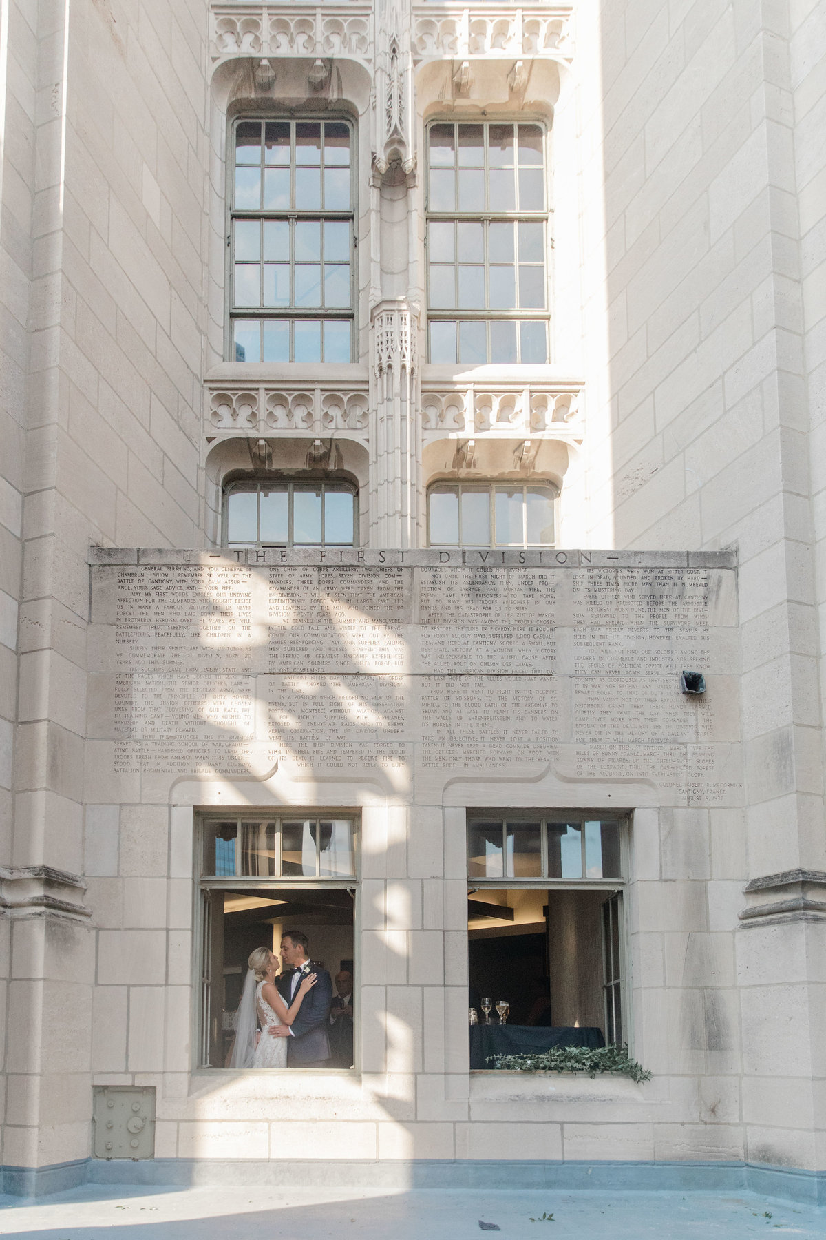 chicago-tribune-tower-wedding-nicole-jason-633