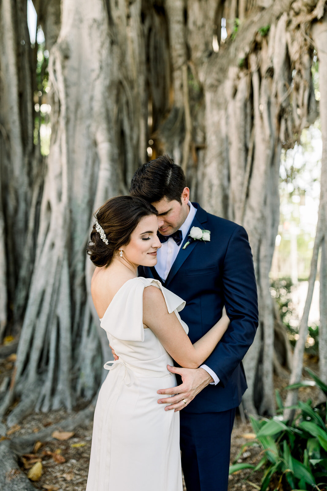 natalie-adam-fort-myers-veranda-wedding-photos-1562
