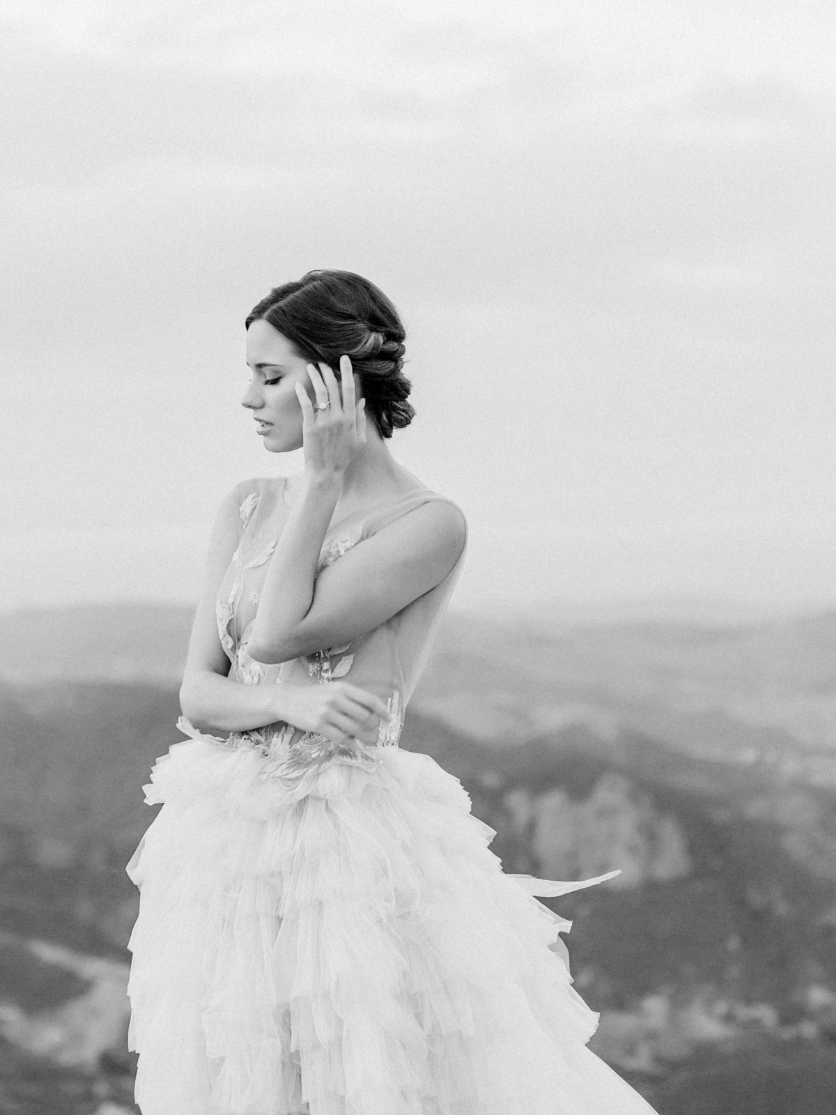 Babsie-Ly-Photography-Fine-Art-Film-Wedding-Photographer-Malibu-Rocky-Oaks-Vineyard-Estate-California-bride-editorial-2018-013