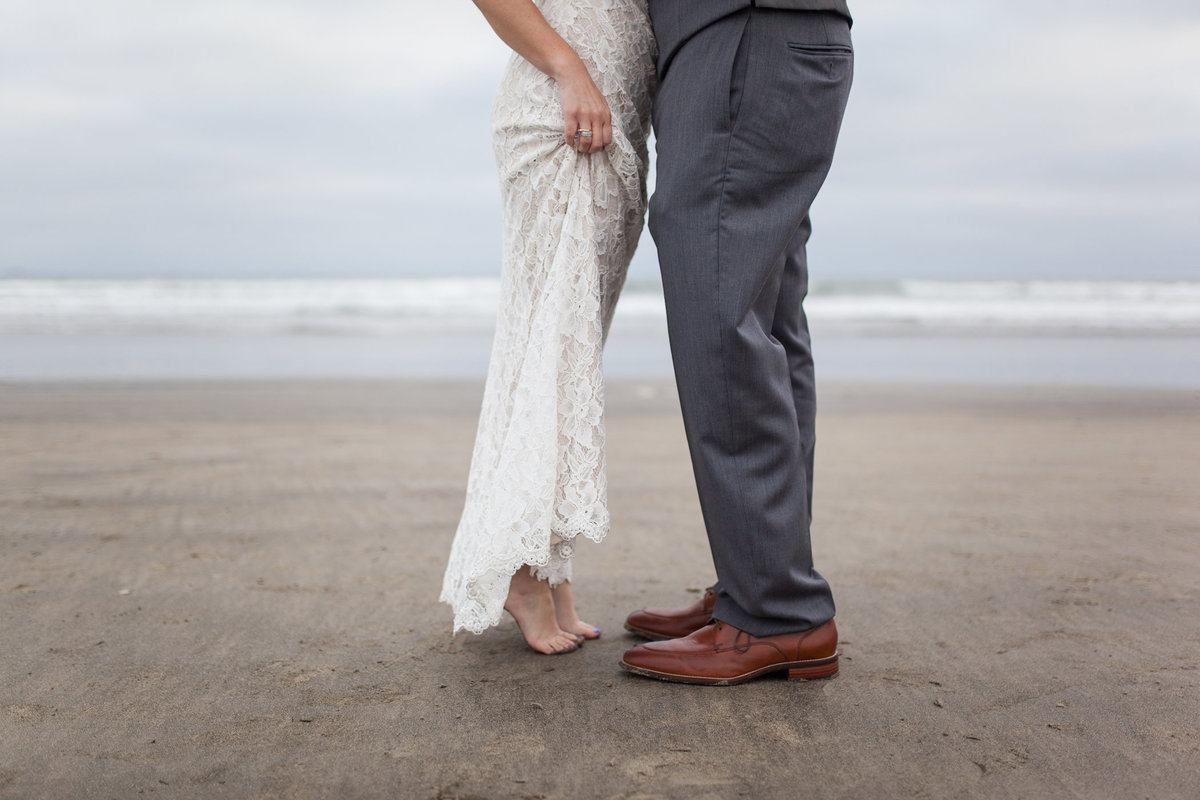 Brooke-and-Doug-Photography_Husband-and-wife-wedding-photographers_Beach-Wedding_17