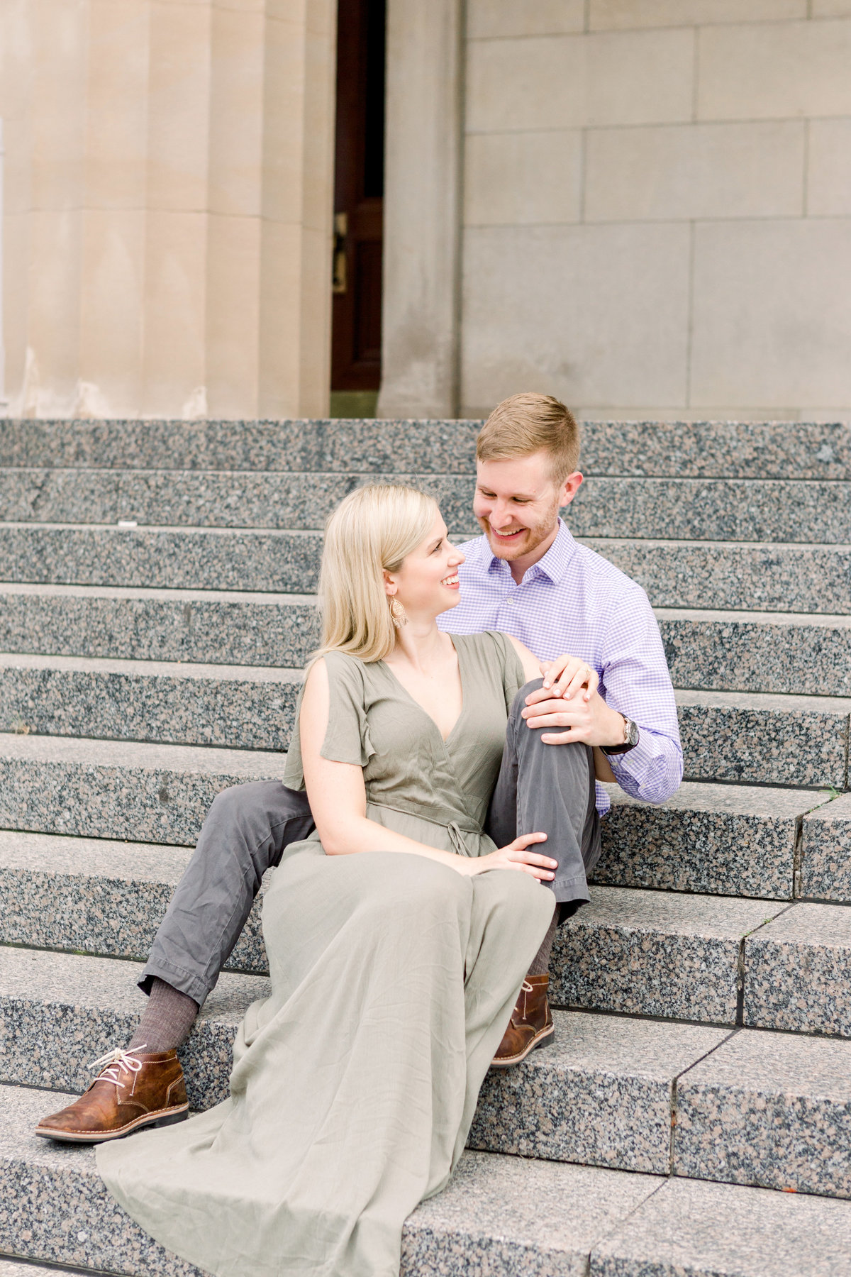 Cincinnati-engagement-wedding-photographer-eden-park-art-museum-smale-riverfront011