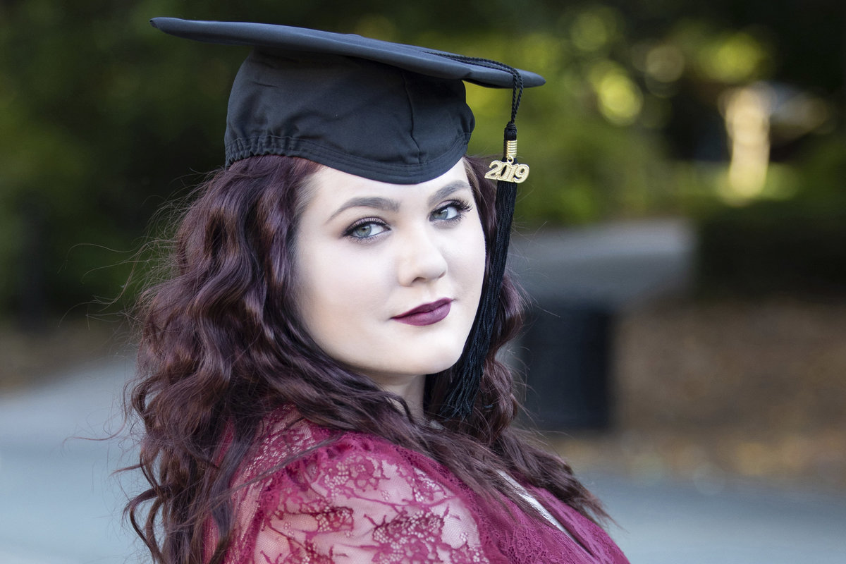college_senior_photographer_milledgeville_georgia_cap_gown_jlfarmer4