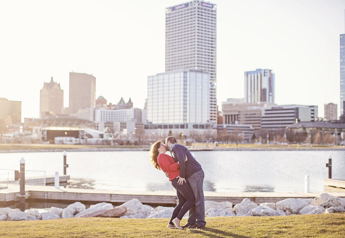 downtown milwaukee engagement photos milwaukee harbor