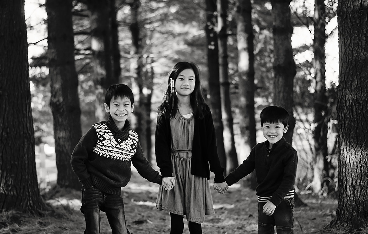 Fun outdoor family portraits at Avenel Local Park in Potomac by Sarah Alice Photography 3