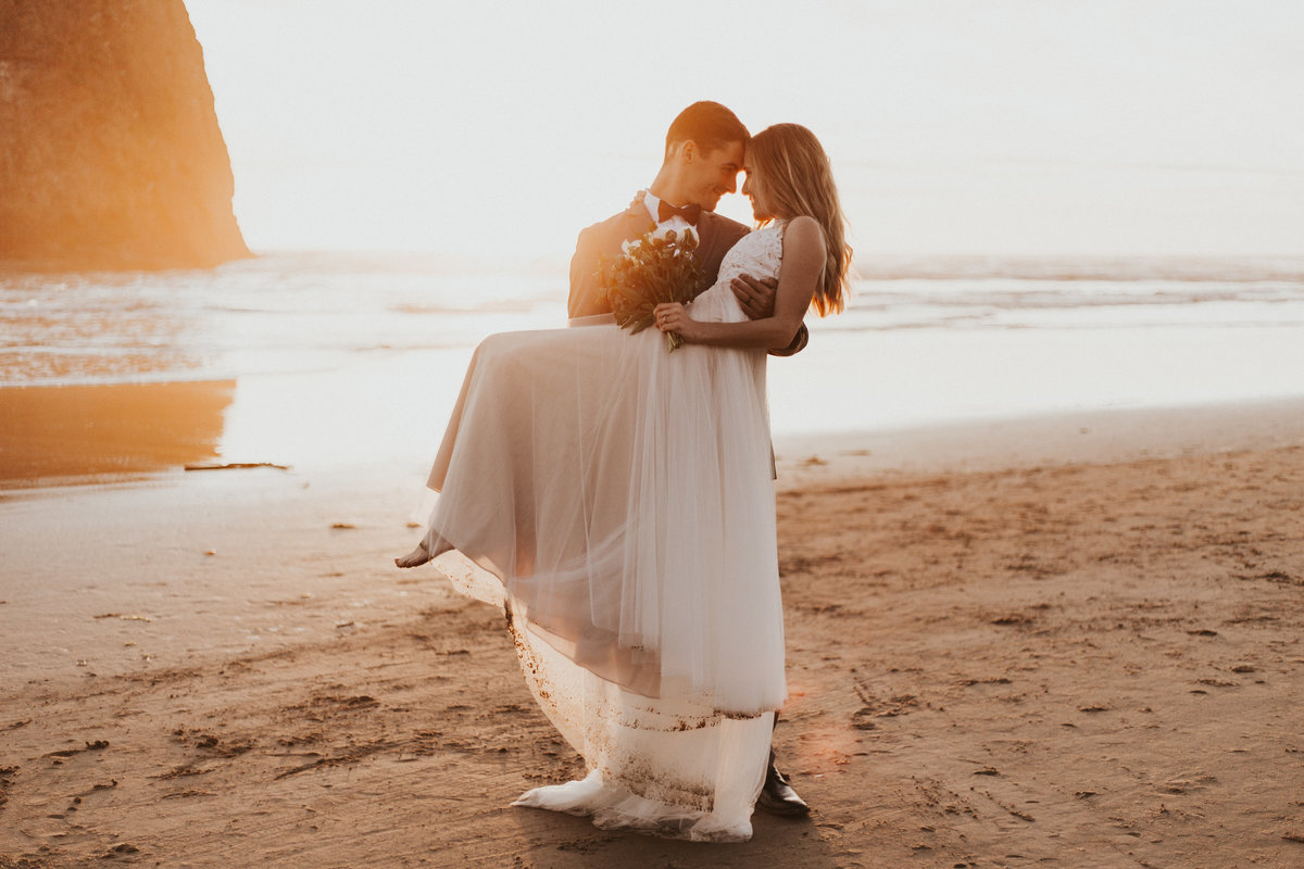 Cannon Beach Elopement-Oregon Coast Engagement-Oregon Elopement Photographer-Cannon Beach Engagement-Cannon Beach-Cannon Beach Wedding-Erika Laub Photography-112