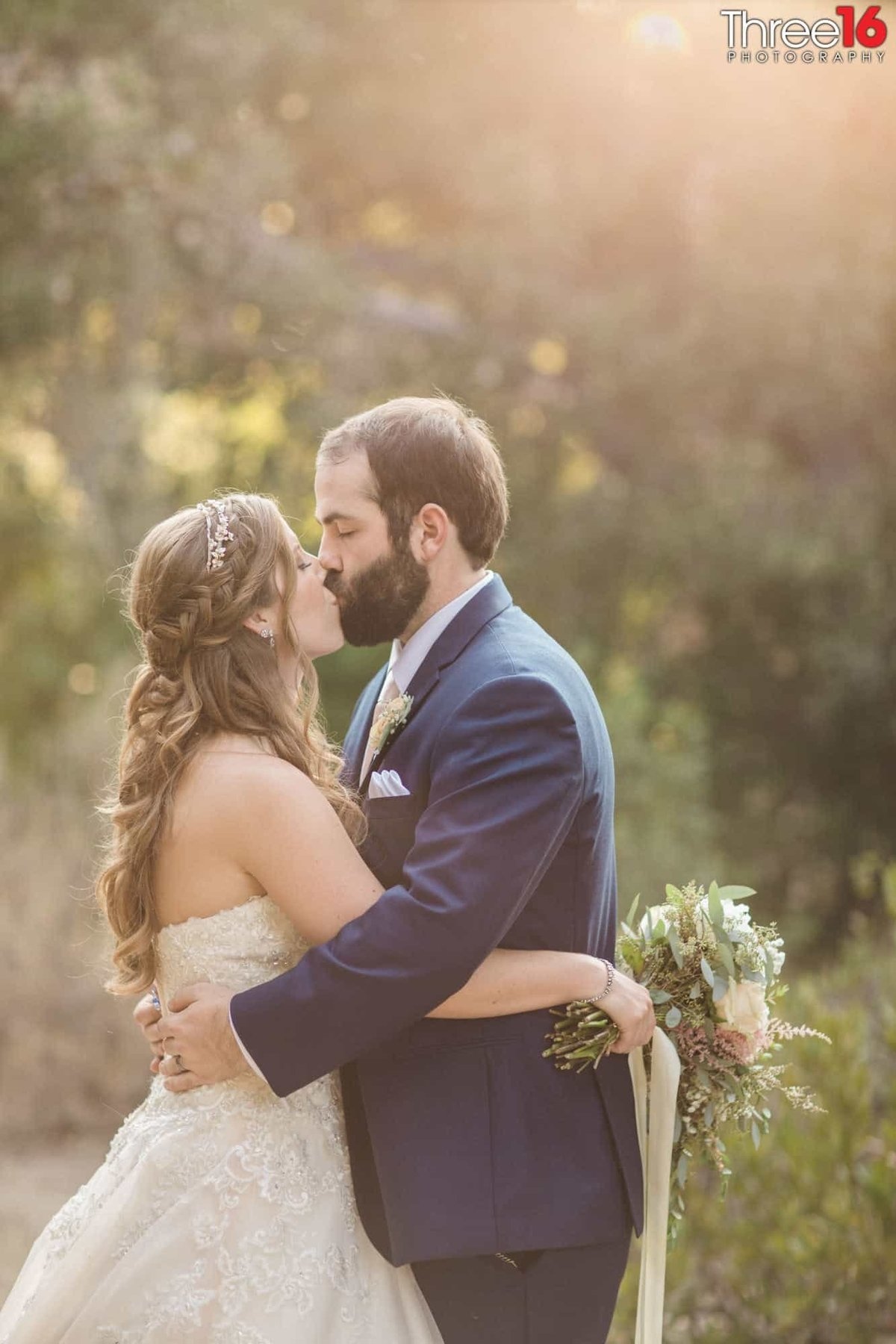 Oak Canyon Nature Center Wedding Anaheim California wedding photographer Ceremony Bride and Groom Outside Ceremony_1
